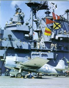 View of a worn three-tone scheme Hellcat taken aboard USS Yorktown in late The small under the horizontal tail indicates a CAG's aircraft. Grumman Aircraft, Ww2 Aircraft, Aircraft Carrier, Military Helicopter, Military Aircraft, Grumman F6f Hellcat, Uss Yorktown, Navy Carriers, Us Navy Aircraft