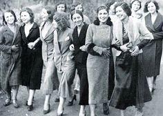 Darülbedayi öğrencisi genç kızlar, 1934. Dünya kadınlar gününüz kutlu olsun