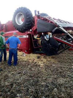 CASE IH 2166 Combine Roll Over