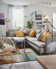 Salón geométrico Living Room Paint, Home Living Room, Living Room Decor, Ikea Inspiration, Ikea Pax, Living Room Trends, Living Room Designs, Sofa Kivik, Yellow Dining Chairs