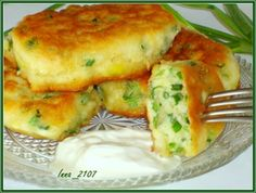 Pancakes on kefir with green onions # food recipes Ukrainian Recipes, Russian Recipes, Snack Recipes, Dinner Recipes, Cooking Recipes, Breakfast Recipes, Good Food, Yummy Food, Tasty