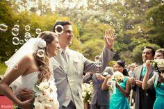 As noivinhas que estão planejando seu casamento terão uma oportunidade de conhecer as novidades em vestidos, decoração, filmagem e fotos, buffet, lembrancinhas, etc. Entre os dias 16 e 25 de março, o Shopping Osasco Plaza, em São Paulo, vai receber a Feira Noiva Vip, um evento criado para tirar dúvidas e apresentar as últimas tendências do mundo dos casamentos.