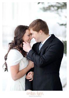 Wedding poses // bride and groom