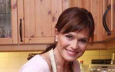 VIP Prostřeno: Olga Šípková a její kuře na medu s rýží - AHA. Celebrity, Celebs, Famous People