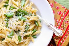 Penne with peas and olive oil