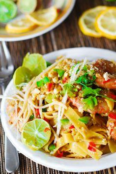 Pad Thai noodles with shrimp | easy Asian noodles, Asian shrimp recipes, shrimp pasta, seafood dishes