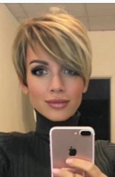 Haircut short pixie chic long bangs 26 new ideas Cute Hairstyles For Short Hair, Short Hair Cuts For Women, Pretty Hairstyles, Bob Hairstyles, Short Hair Styles, Haircut Short, Short Haircuts, Short Hair Long Bangs, Layer Haircuts