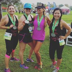 #regram from @tomgurl. Look at these happy runners. Love it! #lexuslaceup #irvine #werunsocal #girlswhorun