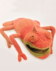 Amigurumi Froggie (I love this chameleon from VANESSA MOONCIE's book it can be turned inside out to be a green one GG)