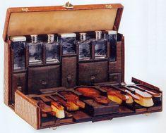 Louis Vuitton, travel case or nécessaire Marthe Chenal.           Aline for Antiques
