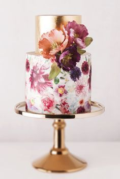 All that glitters is gold and floral | 10 Watercolour Wedding Cakes Almost Too Lovely To Eat | Weddingbells #weddingcakes