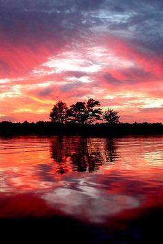 Lindo atardecer sobre el lago | Pretty sunset over the lake