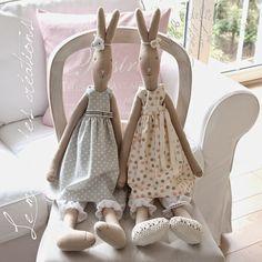 Le monde des Creaciones Srta. Rabbit 80 cm