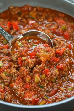 Keto chili is the perfectly healthy version of everyone's favorite comfort food. Signature chili is the perfect game day dish! Keto chili is the perfectly healthy version of everyone's favorite comfort food. Signature chili is the perfect game day dish! Keto Chili Recipe, Chili Recipes, Diet Recipes, Healthy Recipes, Whole 30 Chili Recipe, Healthy Chili, Healthy Food, Paleo Food, Cheese Recipes