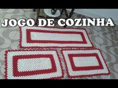 Jogo de Cozinhɑ Retɑngulɑr Simples e Fácil - YouTube Crochet Table Mat, Crochet Placemats, Crochet Carpet, Rugs And Mats, Goncalves, Crochet Decoration, Crochet Kitchen, Crochet Squares, Crochet Flowers