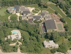 10 Unbelievable Houses Purchased by Pro Athletes. Will Leave You Speechless Mega Mansions, Mansions Homes, Luxe Life, Dream Houses, House Styles, Modern Architecture, Athletes, Dolores Park, Leaves