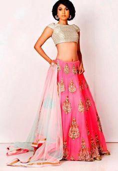 Portfolio of Shruti Sheth Couture