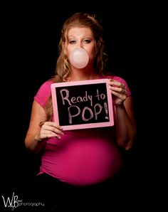 Kinda cheesy .. but I still like it. Cute idea Maternity Photography - Maternity Photo Ideas
