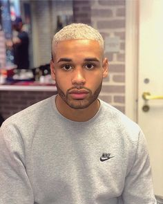 🇫🇷 French guy with eclectic styles Love Sex with Black Men 🤵💞👦🏿 Like blond & asian women (⚠️ sex pictures 🤚🔞). Blonde Hair Black Beard, Men With Blonde Hair, Black Hair, Waves Hairstyle Men, Mens Braids Hairstyles, Men Hair Color, Hair Color And Cut, Short Bleached Hair, Black Boy Hairstyles