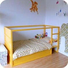 Le jardin de Juliette: Grote gele bed #kinderkamer #ikea #hack #kids #room