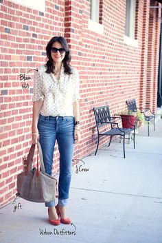 Polka dot tie neck blouse, boyfriend jeans (cuffed) and red heels. Adrette Outfits, Casual Outfits For Moms, Preppy Outfits, Autumn Winter Fashion, Winter Style, Everyday Fashion, Korean Fashion, My Style, Style Blog