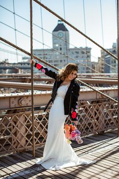 To really lean into their Brooklyn-inspired theme, this couple enjoyed some New York-style pizza following their elopement! Victoria Cakes, Bridal Portrait Poses, Diamond Hair, Most Beautiful Images, Bridal Pictures, Looking Dapper, New York Style, Elopement Inspiration, Groom Attire