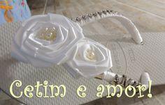 Flor de cetim e strass para noivas