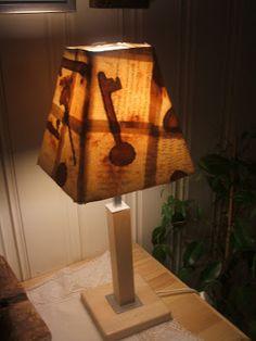 Lille Gitte: En ny lampe ser dagens lys! Table Lamp, Lighting, Home Decor, Table Lamps, Decoration Home, Room Decor, Lights, Home Interior Design, Lightning
