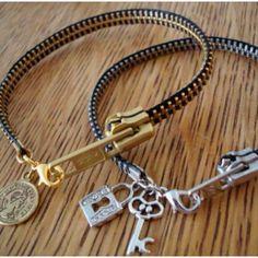 DIY Zipper Bracelet ( With Video Include) ❤️ – Diy Bracelets İdeas. Jewelry Crafts, Jewelry Bracelets, Handmade Jewelry, Jewellery, Gemstone Bracelets, Bracelet Crafts, Cheap Jewelry, Expensive Jewelry, Fall Jewelry
