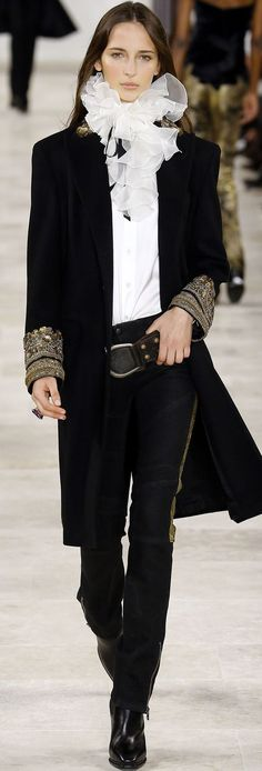 Ralph Lauren, fall 2016. I can do without the frills at the neck, but the rest is amazing. :)
