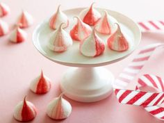 Food Network: Peppermint Meringues w/tip about how to get the striping