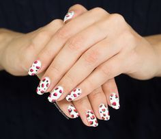 """Stop and smell the roses! This design was made with acrylic paint and """"33 wlid white ways"""" from Essence as the base color. #nails #naildesign #nailart"""