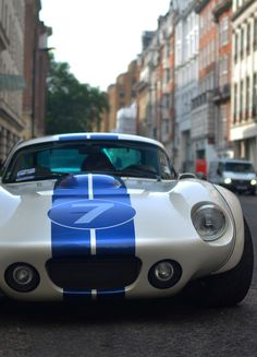 Shelby Daytona by Superformance