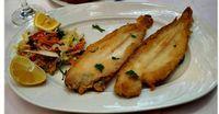 ΥΛΙΚΑ 1 πακέτο γλώσσες κατεψυγμένες Το ίδιο ισχύει και για φρέσκες λάδι για το τηγάνισμα  ΚΟΥΡΚΟΥΤΙ 1 μπύρα μικρή αλεύρι όσο πάρει να γίν... Greek Recipes, Fish And Seafood, Baked Potato, Zucchini, Recipies, Meat, Chicken, Baking, Vegetables