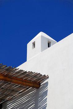 Stromboli, Aeolian Islands, Sicily: typical architecture - Isole Eolie, Sicilia by Giuseppe Finocchiaro, via Flickr  #lipari #eolie