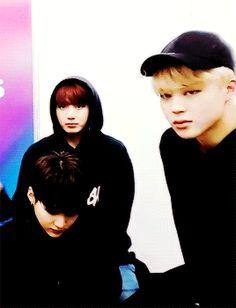 Esas miradas papuh~, awebo, YoonMin is real