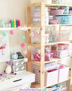 Craft Room Designs Layouts Ideas - Craft Room Organizing Ideas #gettingorganized #goals #organizationideasforthehome