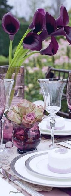 Elegant Centerpieces, Centerpiece Decorations, Place Settings, Table Settings, Fresco, An Affair To Remember, My Flower, Flowers, Purple Garden