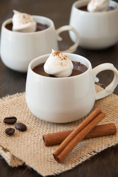 Mexican Chocolate Pots de Creme - even the name sounds delectable! This easy chocolate recipe will satisfy all your chocolate cravings in one easy dessert. This easy dessert-recipe is a must-make! Healthy Dessert Recipes, Easy Desserts, Mexican Food Recipes, Sweet Recipes, Delicious Desserts, Mexican Desserts, Healthy Food, Chocolate Pots, Chocolate Flavors