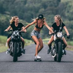 Cue the safety comments - Biker chicks and - Motorrad Harley Davidson, Lady Biker, Biker Girl, Blitz Motorcycles, Motard Sexy, Cafe Racer Girl, Skate Girl, Motorbike Girl, Motorcycle Bike