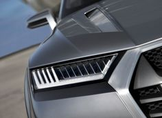 Photographs of the 2013 Audi Crosslane Coupé Concept. An image gallery of the 2013 Audi Crosslane Coupé Concept. New Audi Q7, Audi A3 Sportback, Mercedes Benz Logo, Car Headlights, Sweet Cars, Custom Lighting, Transportation Design, Car Lights, Car Detailing