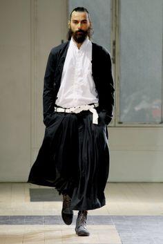 阪急メンズ東京(阪急メンズ・トーキョー、阪急MEN'S TOKYO)|阪急MEN'S TOKYOブログ|2012年春夏コレクション YOHJI YAMAMOTO(ヨウジヤマモト)