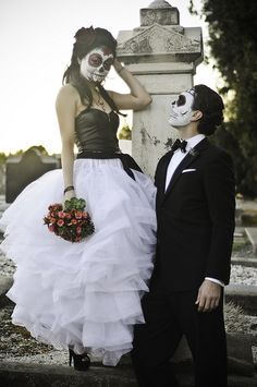 Dia De Los Muertos - Couple by urbanshutterbug, via Flickr