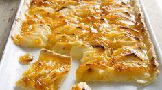 Der Mürbeteig muss 30 Minuten im Kühlschrank ruhen: Apfelkuchen nach französischer Art | http://eatsmarter.de/rezepte/apfelkuchen-nach-franzoesischer-art
