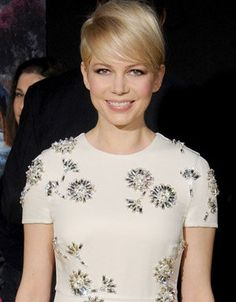 Love this hair style!  Michelle Williams at the 'Oz' premiere (Getty Images)