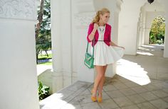 Anna of Fash Boulevard wearing our bag! <3 Buy this bag in a different color here: http://tinyurl.com/7fwnucf