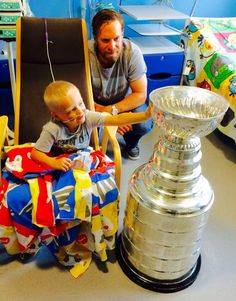 Kimmo brought the Cup to a children's hospital in Finland. #Blackhawks #StanleyCup