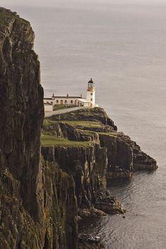 Faro de Punto de Neist, Isla de Cielo, Escocia