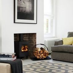 New and oh-so-stylish living room designs to inspire – Freestanding fireplace wood burning Wood Stove Decor, Wood Burner Fireplace, Wood Burning Fireplace Inserts, Morso Wood Stove, Morso Stoves, Log Burner Living Room, Home Living Room, Living Room Designs, Living Spaces