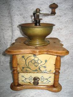 moulin à café hollandais à colonnettes